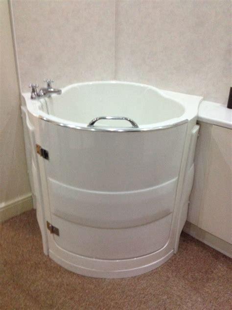 vasche da bagno per disabili vasche con sportello per disabili e anziani omdcomunicazione