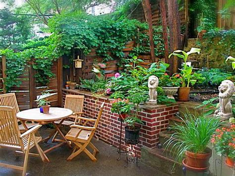 Ideas For Small Patio Gardens Mid Century Modern Shade Landscape Design Ideas For Small Backyards With Vegetable Garden And