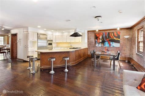 chris rock house you could buy chris rock s clinton hill carriage house celebrity trulia blog