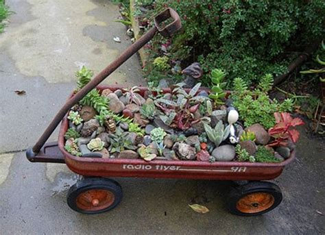 Small Wheelbarrow Planter by Small Wheelbarrow Planter Plans Woodworking Projects Plans