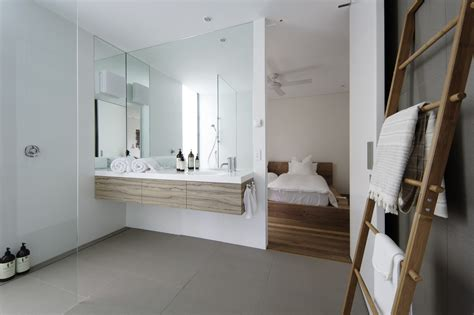 beach bathroom by piccione architecture design by minosa saville isaac architecture avoca beach house