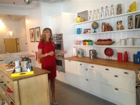 Genevieve Gorder Kitchen Designs Touring Homegoods With Genevieve Gorder Pretty Connected
