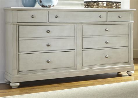 liberty furniture harbor view dresser with 7 drawers and