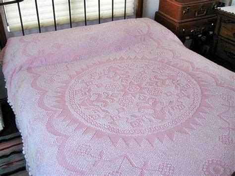 cottage style bedspreads vintage cottage style pink chenille bedspread chenille bedspread cottage style and bedspreads