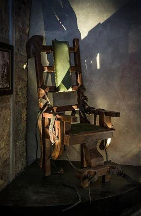 foto sedia elettrica sedia elettrica foto di museo della tortura e della pena