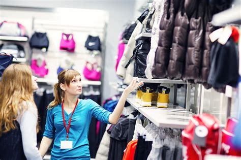 Retail Detail Nordstrom Always Striving To Make You One Happy Customer Second City Style Fashion by 4 Powerful Lessons In Customer Service From The World S