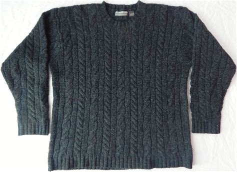 mens chunky cable knit sweater structure shetland wool cable knit fisherman sweater