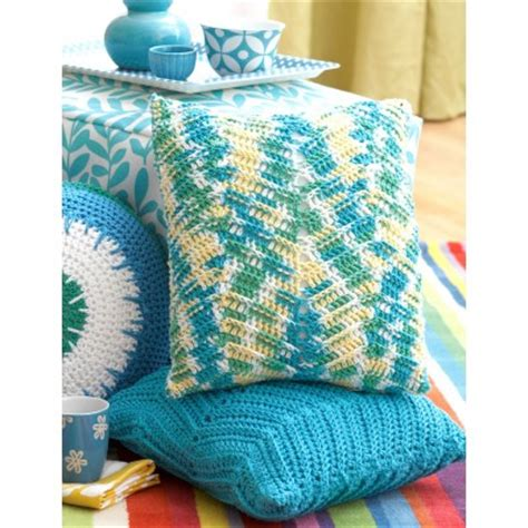 crochet zig zag pillow pattern lily zig zag pillows crochet pattern yarnspirations