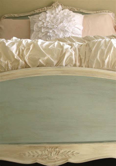 chalk paint bed frame 27 best images about chalk paint on