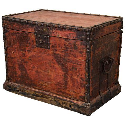 Wardrobe Trunks by 19th Century Wardrobe Trunk At 1stdibs