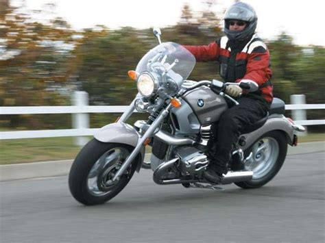 bmw r1200c review bmw r1200c montauk ride review motorcyclist