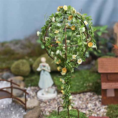 garden topiary wire forms small wire topiary form garden miniatures