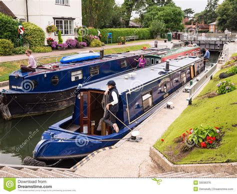 thames river boats timetable narrow boats in marlow lock river thames england
