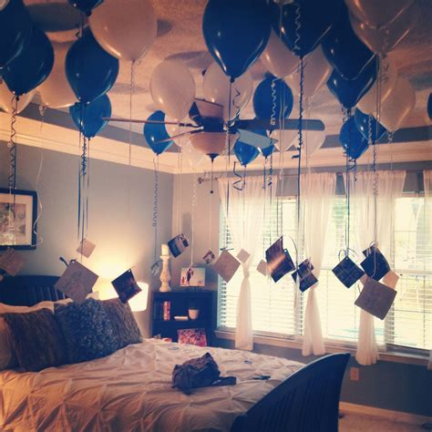 Boyfriend's 35th birthday. 35 balloons, 35 pictures, with
