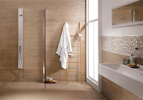 piastrelle bagno legno rivestimenti bagno effetto legno o piastrelle