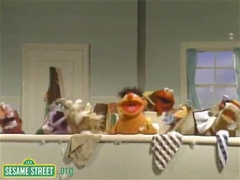 sesame street bathroom do de rubber duck muppet wiki party invitations ideas