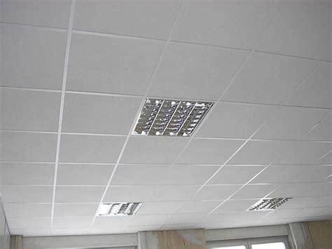 isolanti termici per soffitti pannelli isolanti soffitto interno idea di casa