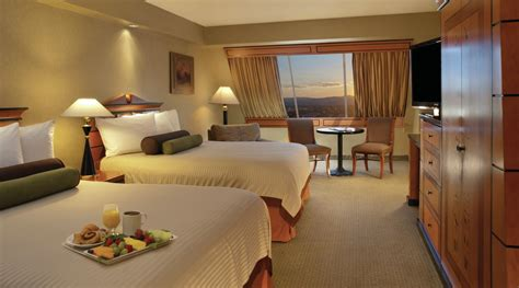 rooms at the luxor pyramid luxor rooms 2015 gallery