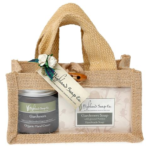 gardeners gift set from the highland soap company 174