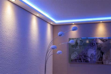 moderne stuckleisten 220 ber 1 000 ideen zu indirekte beleuchtung decke auf