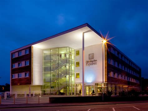 chester hotel holiday inn express chester racecourse