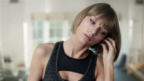 taylor swift and apple music apple music is distractingly good for taylor swift in