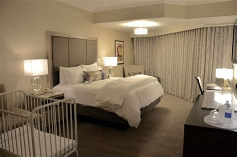 opryland hotel rooms gaylord opryland resort 2711 rooms 17 restaurants 1 amazing review