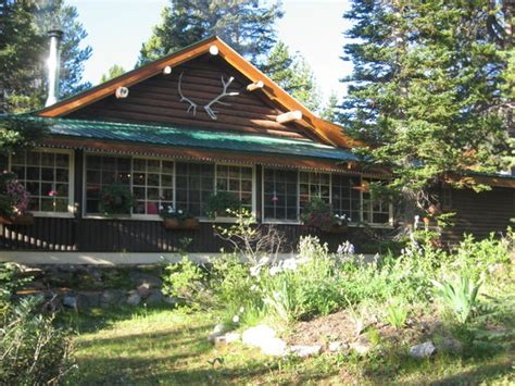Banff Cabins by Mountain Lodge Cabins Lodge Reviews Deals