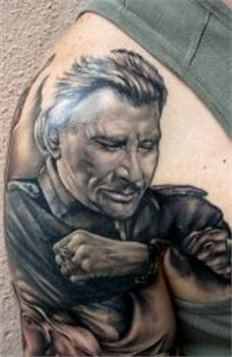 tatouage en noir et blanc tatouage noir et d 233 grad 233 s de