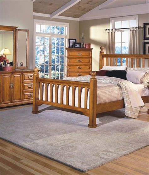 honey creek poster bed by new classic home furnishings