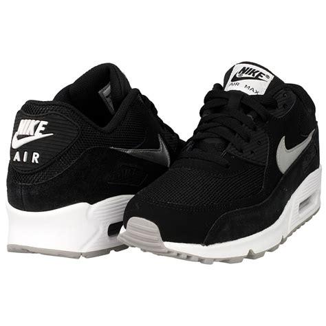 nike air max  essential   white black en