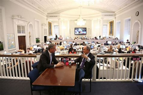 Nyc Mayor S Office by New York Nyc Mayor Elect De Blasio Meets With Bloomberg