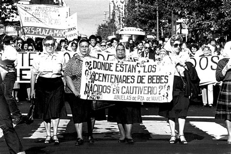 algunas plazas de mayo 187 las madres de la plaza de mayo