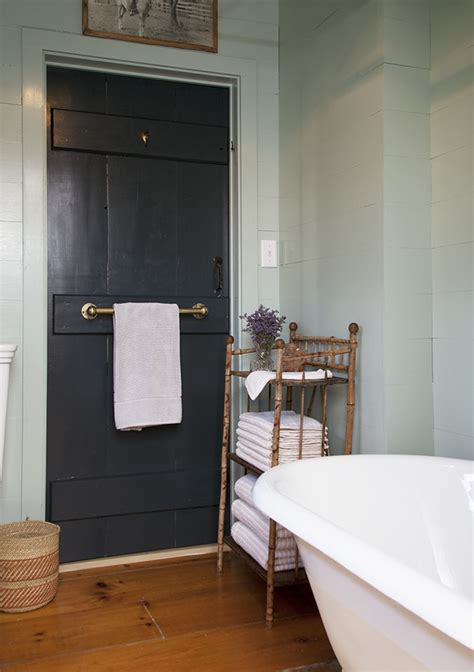 woodlawn blue bathroom classic paint colors benjamin moore s woodlawn blue the