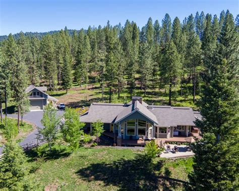 modern lakefront cabin in idaho usa idaho waterfront property in payette payette lake