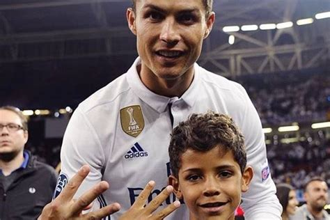 At Sons League by Of Cristiano Ronaldo Scores Magical Goal After Real