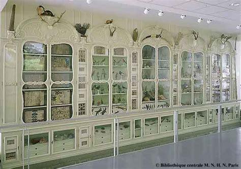 Le Cabinet De Curiosité by Les En Leur Cabinet De Curiosit 233 S Mus 233 Um Objet