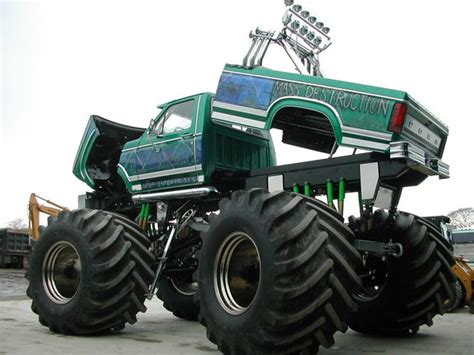 biggest bigfoot monster truck biggest 4x4 in the world ford largest monster truck