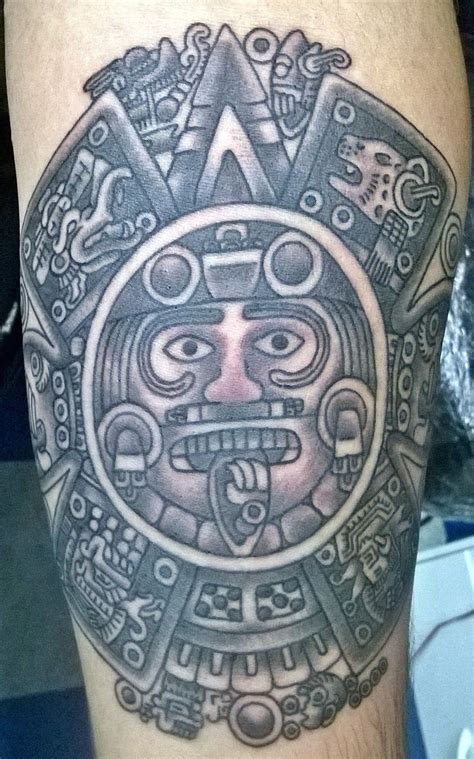 aztec sun tattoo detailed sun god aztec tattooimages biz