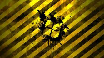 windows logo on black and yellow lines wallpaper 589