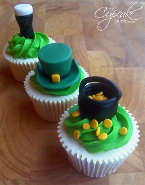 s day cupcakes 50 best st patrick s day cupcake decorating ideas