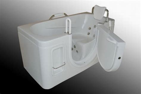 Geriatric Bathtubs by Walk In Bathtub For Seniors Handicap Elderly Safe Step