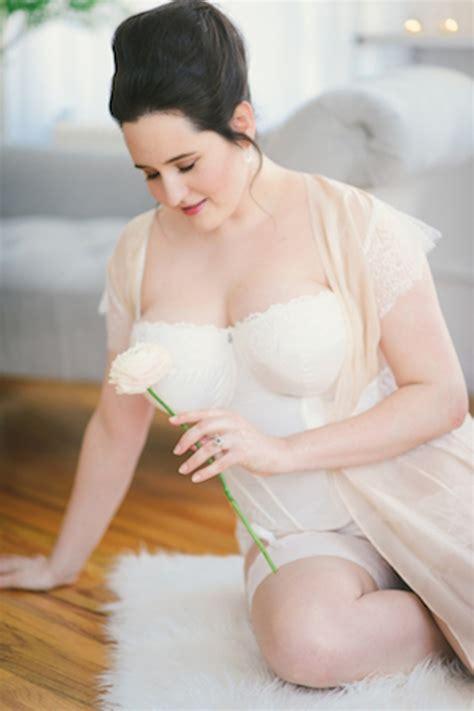 picture of pretty curvy bridal boudoir shoot