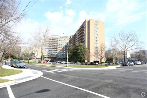crystal house apartments crystal house rentals arlington va apartments com