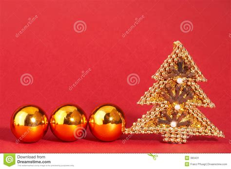 goldener weihnachtsbaum mit perlen goldener