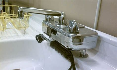 vintage kitchen sinks craigslist 63 best antique retro kitchen faucets and sinks ideas for
