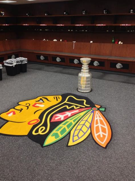 chicago blackhawks dressing room chicago blackhawks on quot stanley sighting in the dressing room cupchs http t co