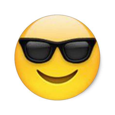 Smiley Mit Sonnenbrille Aufkleber by Sonnenbrille Emoji Aufkleber Zazzle