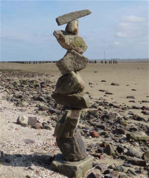 Steine Aufeinander Gestapelt by Balance Steine Stapeln Was Ist Das Und Was Soll Das
