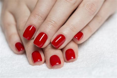 imagenes de uñas pintadas de rojo y negro 191 cu 225 l es el mejor color para pintarse las u 241 as imujer